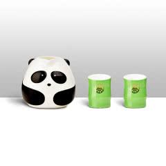 五粮液熊猫主题酒具